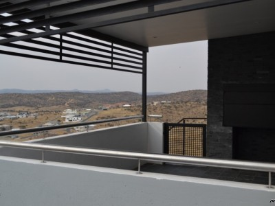 Residential-Brand-new---with-an-amazing-view-!!