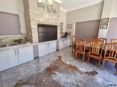 Residential-4-Bedroom-Family-Home-in-Olympia-for-Sale