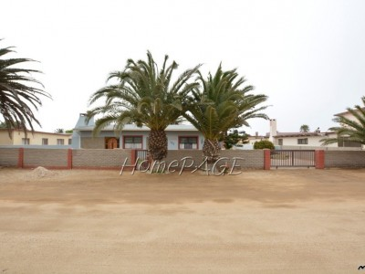 Residential-Henties-Bay,-Central-Area:---A-home-CLOSE-TO-ALL-AMENITIES-is-for-sale