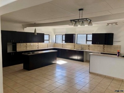 Residential-Home-Near-Windhoek-Gymnasium-To-Let