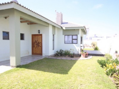 Residential-CHARMING-FAMILY-HOUSE-FOR-SALE-IN-SWAKOPMUND,-NAMIBIA!
