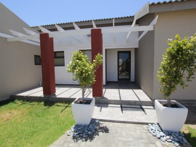 Residential-SOPHISTICATED,-LIGHT-&-BRIGHT-MODERN-STYLE-HOUSE-FOR-SALE-IN-SWAKOPMUND,-NAMIBIA!