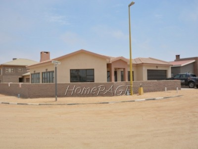 Residential-Ext-10,-Henties-Bay:--Beautiful,-Spacious-4-Bedr-Home-is-for-Sale