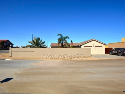 Residential-Ext-8-(Hage-Heights),-Swakopmund:-SPACIOUS,-VERY-NEAT-3-Bedr-Home-is-for-Sale