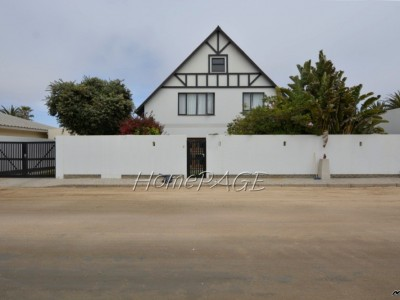 Residential-Vineta,-Swakopmund--STURDY,-WELL-CARED-FOR-older-home-is-for-sale