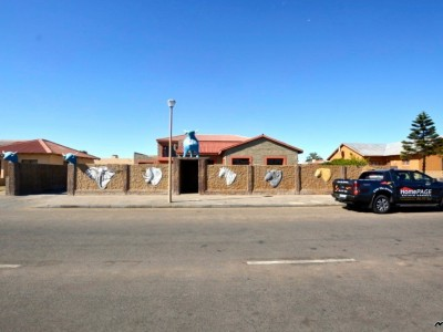 Residential-Central,-Walvis-Bay:-8-Bedr-Home-AT-A-STEAL!!!