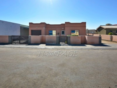 Residential-Fairway-Estates,-Walvis-Bay:-2-Bedr-Home-with-2-Bedr-Flat-is-for-Sale