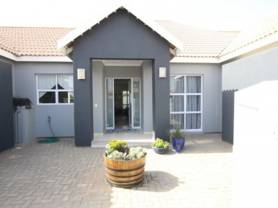 Residential-LIGHT,-BRIGHT-&-WITH-A-TOUCH-OF-CLASS!-HOUSE-FOR-SALE-IN-SWAKOPMUND,-NAMIBIA