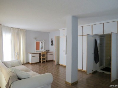 Residential-Very-Spacious-Central-Apartment