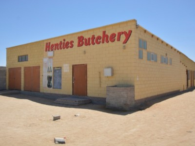 Commercial-Omdel,-Henties-Bay:-448m²-Retail/Warehouse-for-sale