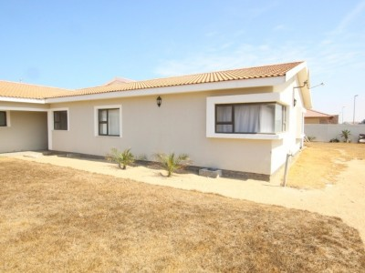 Residential-FAMILY-FIRST---SPACIOUS-LIVING-HOUSE-FOR-SALE-IN-SWAKOPMUND,-NAMIBIA!