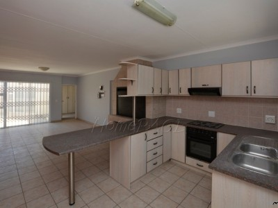Residential-Meersig,-Walvis-Bay:--Spacious-3-Bedr-Townhouse-is-for-sale