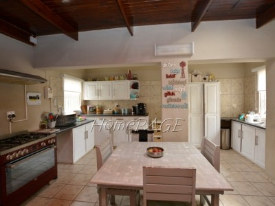 Residential-South-Dune,-Henties-Bay:--QUAINT-STARTER-HOLIDAY-HOME-IS-FOR-SALE
