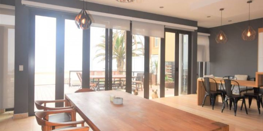 Beautiful 4 bedroom Seafront House